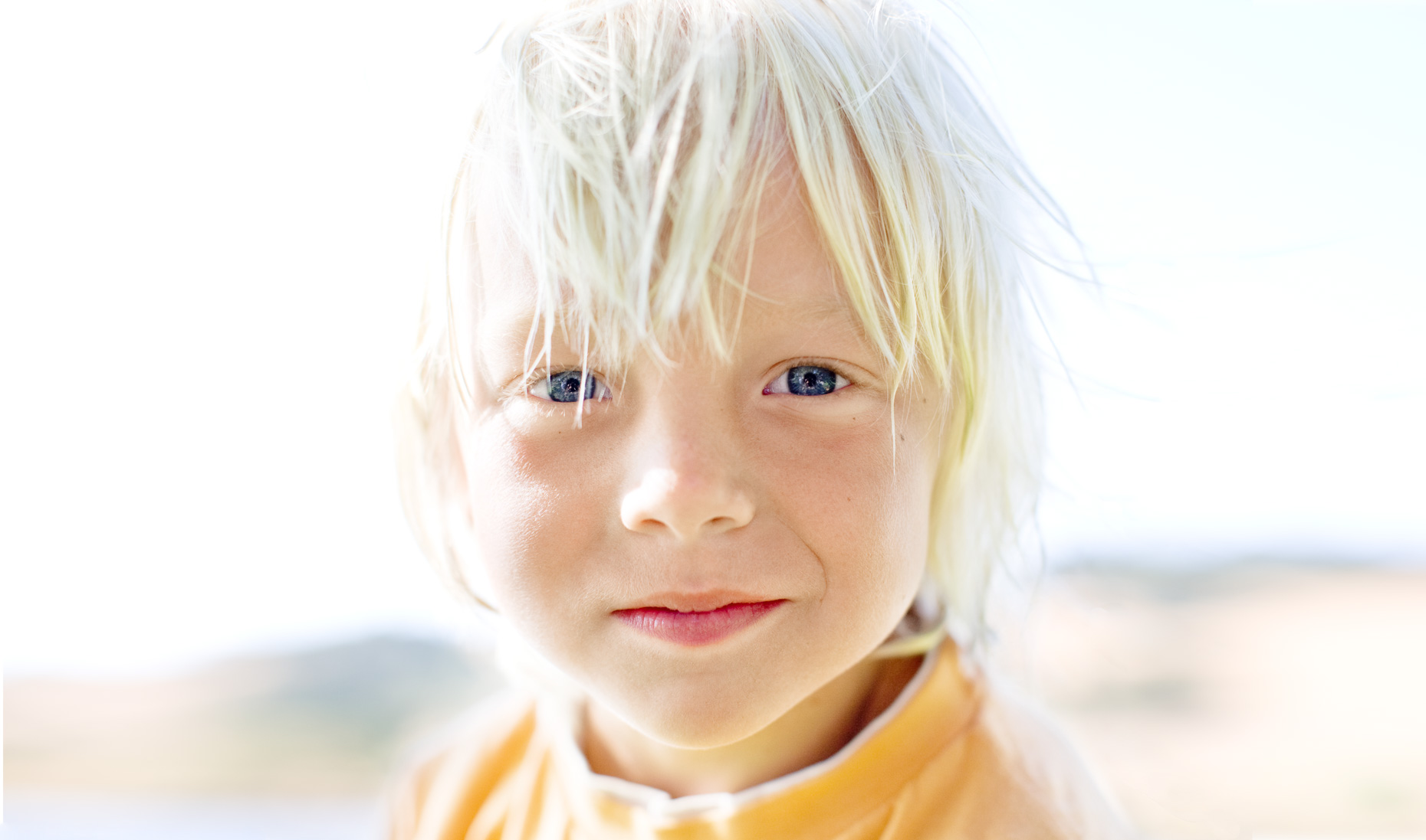 child-portrait-blond-close-up-location-curtis-myers-advertising