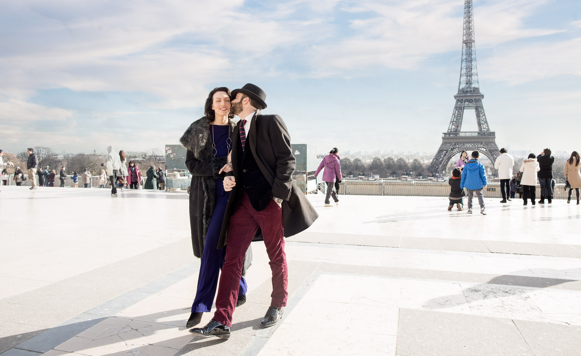 paris-couple-eiffel-tower-ad-advertisement-curtis-myers